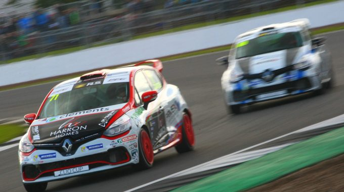 Overtakes Galore As Coates Finishes 4th In UK Clio Cup Race At Silverstone
